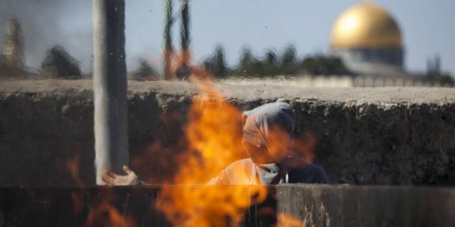 palestinian-terror-violence-stone-rock-throwing-temple-mount-jerusalem-